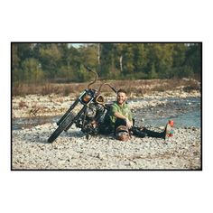 3/6 #findyourfreedom #instagood #instadaily #instaphoto #instaportrait #portrait #dirt #dirtbike #occhiali #glasses #custom #freedom #picoftheday #photooftheday #field #moto #motorcycle #motorbike #water #river #relax #red #friendship #bikeride #biker #instabike #bikeporn #instamoto #matteomora