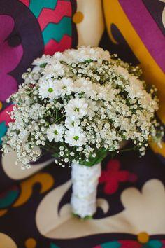 White Daisy Daisies Baby Breath Gyp Gypsophila Bouquet Flowers Bridal Bride Pretty Floral Summer Barn Wedding http://nickifelthamphotography.com/