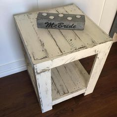 This rustic pallet side table was made to order. I constructed this from approximately pallets. Side Table Finish: I first stained the wood. After that, I painted it in the light color shown. I distressed the paint before I finally coated Pallet Side Table, Rustic Side Table, Table Palette, Palette Diy, Pallet Patio Furniture, Furniture Projects, Pallet Couch, Diy Furniture, Rustic Furniture