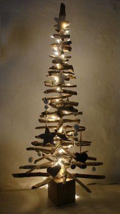 Sapin de Noël en bois Flotté et design à faire soi-même   Pinterest ...