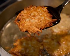 The most perfect use of potatoes are potato pancakes with their mahogany crunchy edges, crispy golden midsection, and tender, rich, meaty interiors. Potato Ricer, Potato Latkes, Potato Onion, Potato Pancakes, Potato Fritters, Potato Recipes, A Food, Potatoes, Stuffed Peppers