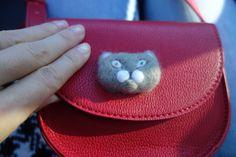 Handmade felt brooch cat by OlgaWhitman on Etsy Felt Brooch, Handmade Felt, Sunglasses Case, Buy And Sell, Cats, Creative, Stuff To Buy, Vintage, Gatos