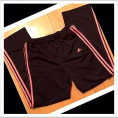 "Adidas loose fit pants Excellent condition! Black & coral. Loose fit throughout. Size medium. 100% polyester. 2 front pockets. Measures 33"" inseam, 31"" drawstring elastic waist, 12"" rise, 20"" bottom leg opening. Loose-fitting. See last pic for fit. 💟Check out my other adidas listings & bundle to save! 💟NO TRADES, no modeling. 💟Price FIRM unless bundled adidas Pants"