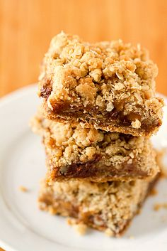 Oatmeal Carmelita Bars oatmeal carmelita, yum yummi, food, bar recipes, browni, bake oatmeal, treat, dessert, carmelita bar