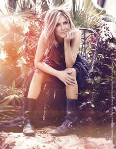 Jennifer Aniston - boots...
