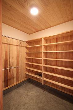 家族の靴やコートをたっぷり収納できる玄関の土間収納