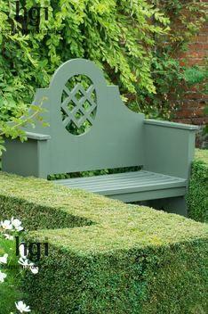 A classic green garden bench surrounded by hedges Garden Seating, Garden Chairs, Garden Furniture, Garden Benches, Garden Yard Ideas, Garden Landscaping, Formal Gardens, Outdoor Gardens, Landscape Design