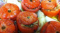 Stuffed tomatoes - Domate te mbushura Albanian Cuisine, Albanian Recipes, Albanian Food, Stuffed Tomatoes, Stuffed Peppers, Sbs Food, Vegetarian Recipes, Healthy Recipes, Middle Eastern Recipes