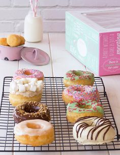 Easy Donut Recipe, Baked Donut Recipes, Baking Recipes, Cookie Recipes, Cute Desserts, Healthy Dessert Recipes, Delicious Donuts, Delicious Desserts, Beignets