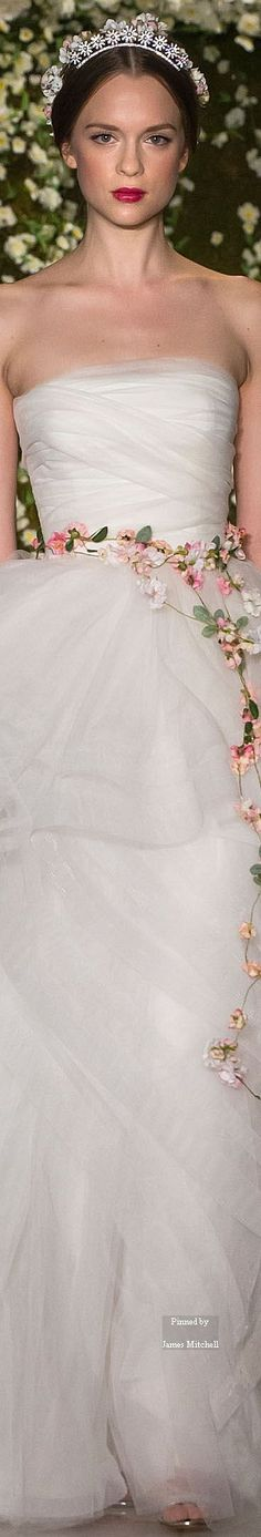 Reem Acra Bridal headpiece Fall-winter 2015-2016. Love the dress, but the headpiece should be a flower garland too