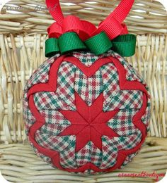 Learn to make these quilted ornaments from fabric and ribbon with ... : quilted ornaments to make - Adamdwight.com