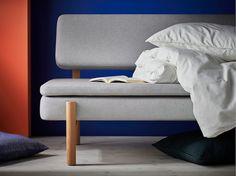 Dormez avec élégance dans le convertible IKEA YPPERLIG. Avec son matelas intégré dans le mélange polyester-coton de la banquette, il est idéal de jour comme de nuit.