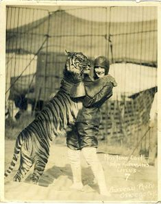 Lone Carl in John Robinson's Circus Barbeau. please stop the abuse of circus animals by boycotting current circuses that use animals in their acts Old Circus, Night Circus, Harlem Renaissance, Vintage Pictures, Vintage Images, Cirque Vintage, Vintage Carnival, Steampunk Circus, Art Du Cirque