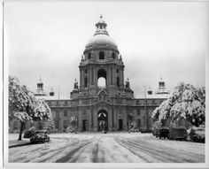 The last time it snowed in Pasadena, 1949.