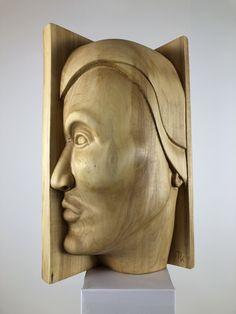 """""""Namid (Sternentänzer)"""". Skulptur aus Linde, geölt. Der Name ist indianisch. Fertigstellung Juli 2020. Weitere Skulpturen aus Holz und Stein des Bildhauers aus Köln, z.T. vergoldet mit 24 Karat Blattgold sind auf meiner website zu sehen."""