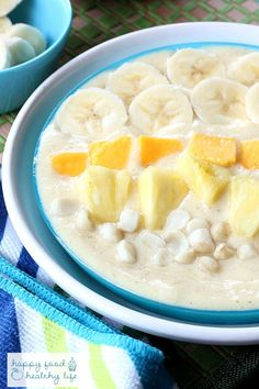 Tropical Paradise Smoothie Bowl - This tropical paradise smoothie bowl is perfect for when you want the flavors of a smoothie but don't necessarily want to drink your breakfast. And the flavors will take you right to the beach! | Happy Food, Healthy Life