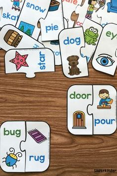 Rhyming  This is a puzzle that contains numerous pairs of rhyming words. The goal is to match up the two words that rhyme with each other. Rhyming Kindergarten, Preschool Literacy, Free Preschool, Preschool Printables, Kindergarten Reading, Early Literacy, Preschool Schedule, Free Printables, Literacy Centers
