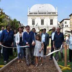 Fiorinsieme2016 - Piazza della Loggia - Brescia: Allestimenti fieristici % in…