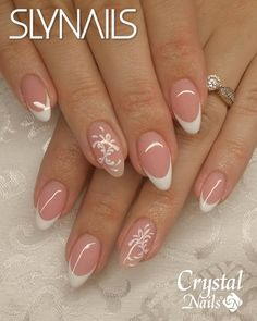 french nails tutorial How To Do French Manicure Nail Designs, Nail Tip Designs, Glitter French Manicure, French Tip Nails, Glitter Nail Art, Manicure And Pedicure, Bling Nails, Diy Nails, Cute Nails
