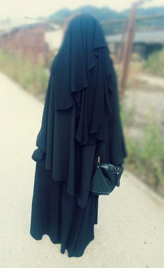 Elegant Niqabi - A Waterfall of Black