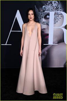 Jamie Dornan & Dakota Johnson Are Picture Perfect at 'Fifty Shades Darker' L.A. Premiere!