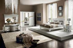 17 Ideas for classic bedroom – photos, inspiration - Rilane Luxury Bedroom Furniture, Modern Bedroom Decor, Home Decor Furniture, Cheap Furniture, Bedroom Bed Design, One Bedroom, Home Building Design, Bedroom Photos, Italian Furniture