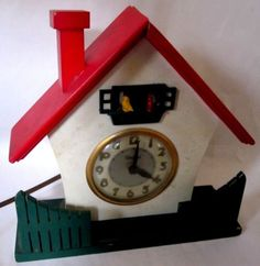 Vintage 1960s United Metal Goods Bird House Electric Mechanical Wall Clock