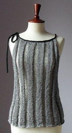 This Pin was discovered by Gal Sweater Knitting Patterns, Loom Knitting, Knit Patterns, Hand Knitting, Knitwear Fashion, Knit Fashion, Crochet Shirt, Knit Crochet, Summer Knitting