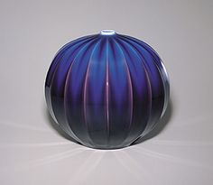 18 ridged jar with blue and brilliant glaze.  TOKUDA Yasokichi  THE 51st EXHIBITION OF JAPANESE TRADITIONAL ART CRAFTS 00157  2004