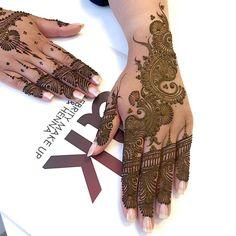 Henna Beautiful by Ash Kumar #henna #mehndi #mendhiartist #hennaartist #ak #tattoo #doodle #design #artist #ashkumarhenna #hennabeautiful #ashkumar #ashkumarbeauty #ashkumaracademy #hennatattoo #ink #beyoncehenna #hennastain #darkhenna .