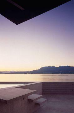 Minimal. Maximum View.  Shaw House, Patkau Architects. Vancouver, BC