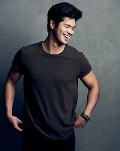 """222 mil curtidas, 1,181 comentários - Ross Butler (@rossbutler) no Instagram: """"Let's just try to have some fun, shall we? #theouttakes"""""""