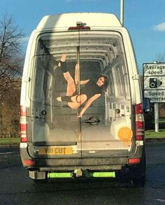 30 Trolls With Incredible Sense of Humor - bemethis Unusual News, Bizarre News, Famous Pictures, Weird Pictures, Buddy Go, Vehicle Signage, Urbane Kunst, Car Jokes, Cool Vans