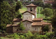 Santa Maria de Lebeña en Cillorigo ( Cantabria)
