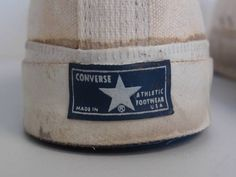 Chuck Taylor Shoes, Vintage Tags, Converse All Star, Dress Codes, Chuck Taylors, Vintage Outfits, Footwear, Sneaker, Blog