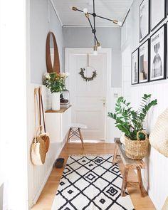 The most beautiful ideas with the IKEA BESTA for your hallway! - IKEA Besta – Ideen für dein Wohnzimmer, Flur & Co. Decoration Hall, Decoration Entree, Entryway Decor, Bedroom Decor, Entryway Bench, Diy Furniture Videos, Diy Furniture Table, Furniture Ideas, Casa Hygge