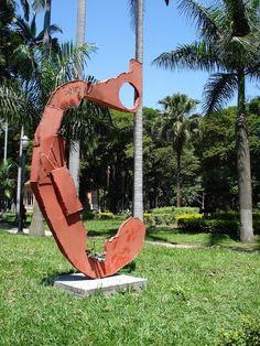 Escultura O.C., de Caciporé Torres
