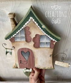 Pintura Country, Country Paintings, Glitter Houses, Painting On Wood, Bird Houses, Wood Crafts, Decoupage, Sweet Home, Miniatures