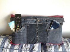 super leuk jeanskussen met rode gestreepte door CarineDriemanDeco