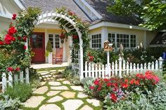 Front Yard Garden Design Enchanting Rose Arbor - Gorgeous front garden and landscaping ideas that help highlight the beauty and architectural features your house. See the best designs! Modern Front Yard, Front Yard Fence, Front Yard Landscaping, Landscaping Ideas, Front Yards, Backyard Ideas, Front Porch, Yard Fencing, Low Fence