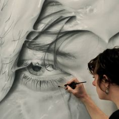 Melissa Cooke's large-scale graphite portraits focus on introspection and identity.    httpw://lifeslearning.org/    Join us on Facebook at: www.facebook.com/LifesLearningForEveryone Twitter: @sapelskog