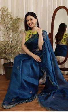 Saree Jacket Designs, Sarees For Girls, Simple Sarees, Saree Trends, Kurta Designs Women, Casual Saree, Stylish Sarees, Saree Models, Elegant Saree