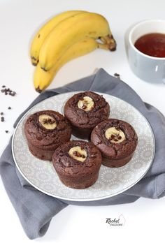 Muffins chocolat, cœur banane Dessert Simple, Cake Factory, Mini Muffins, Easy Desserts, Biscuits, Picnic, Brunch, Food And Drink, Thermomix