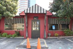 """Midtown Cafe in Nashville, Tennessee. (Best Nashville Restaurant) ---and another on the list of """"want to eat here""""! Music City Nashville, Nashville Trip, Nashville Tennessee, Places To Eat, Places To Travel, Nashville Restaurants, New City, Vacation Ideas, Memphis"""