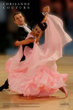 Ballroom Dancing Has actually Never Been Hotter. Ballroom Dancing has never ever been hotter than it is now ever since Dancing with the Stars struck the air. Costume Flamenco, Dance Costumes, Latin Ballroom Dresses, Ballroom Dancing, Latin Dresses, Open Dance, Salsa Dancing, Dance Fashion, Argentine Tango