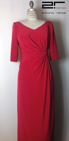 www.espaciodenovias.com Single Women, Formal Dresses, Wedding Dresses, Mother Of The Bride, Ball Gowns, Fashion Dresses, One Piece, Style Inspiration, My Style