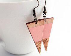Minimaliste de boucles d'oreilles en bois bois de par TheiaDesign