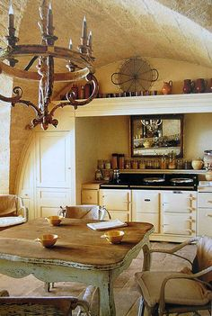 Rounded ceilings and an aga in my kitchen. Yes Please.