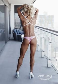 Professional Fitness Model Zoe Daly Talks With TheAthleticBuild