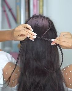 Super easy way to make beautiful braids 😍easy or not? - Linda Swett - Super easy way to make beautiful braids 😍easy or not? Curly Hair Styles, Natural Hair Styles, Hair Upstyles, Beautiful Braids, Hair Hacks, Braided Hairstyles, Amazing Hairstyles, Hairstyles Videos, Fast Hairstyles